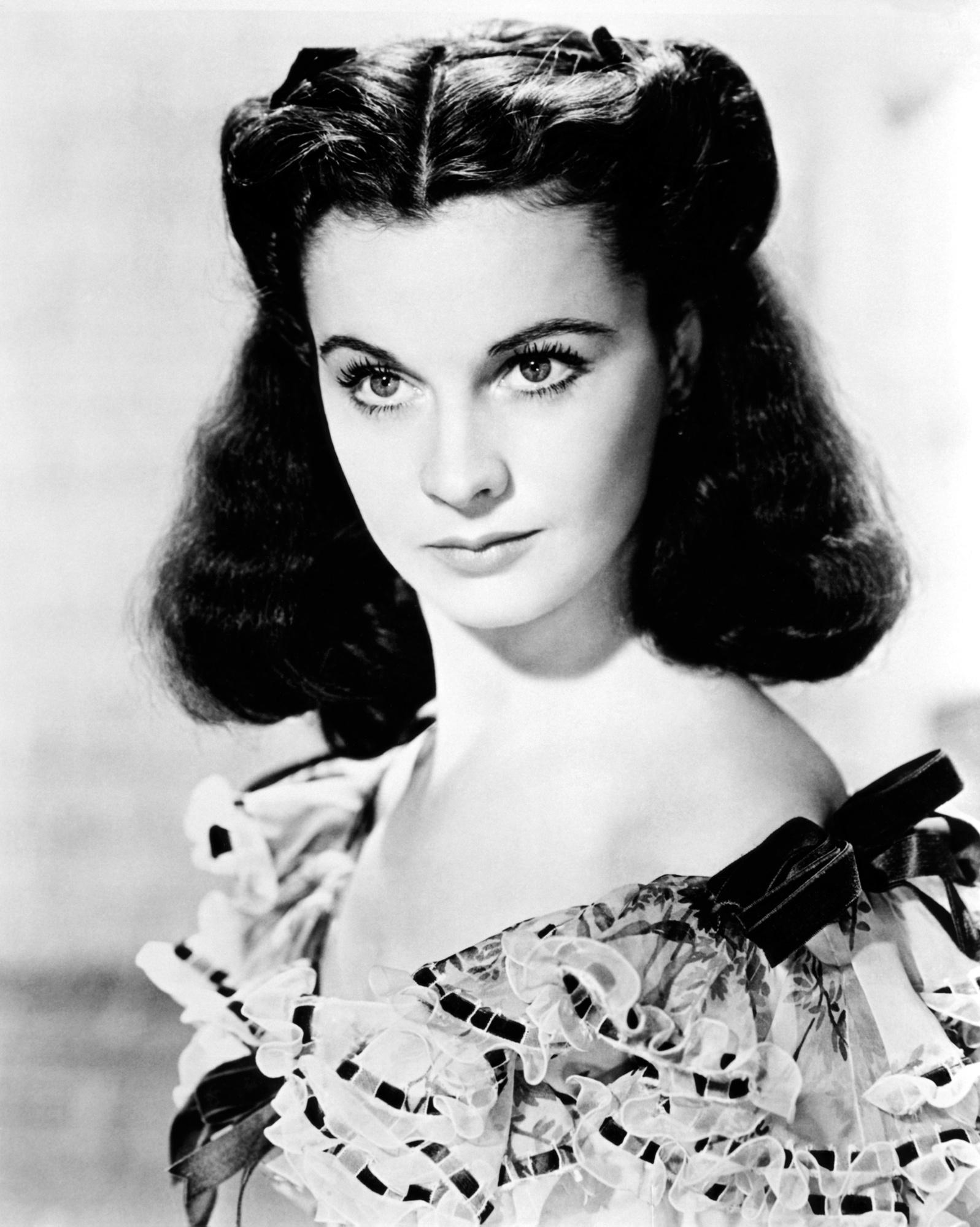 Spotlight lovely pre gwtw leigh post two that 39 s for Who played scarlett o hara in gone with the wind