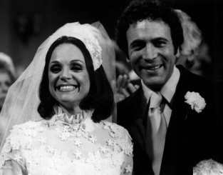 Valerie_Harper_David_Groh_Rhoda_wedding_1974